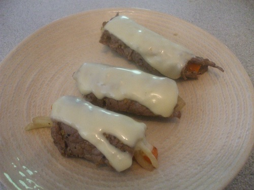 beef rolls with melted cheese